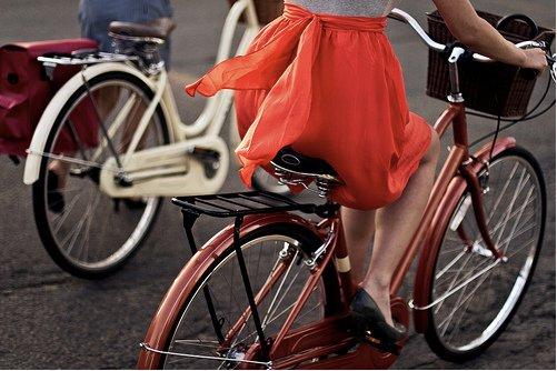 ragazza-donna-bicicletta