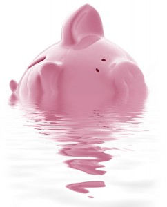 maiale-salvadanaio-debiti-povertà-soldi-242×300