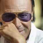 Venditti a Tortona canta cinquant'anni di carriera